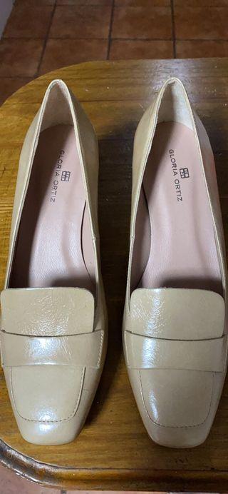 Zapatos nuevos gloria ortiz