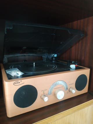 tocadiscos + discos de vinilo