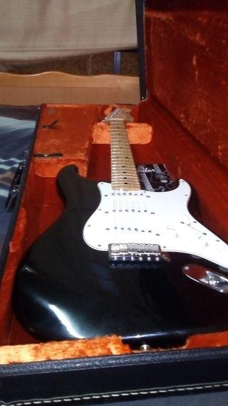 Guitarra fender custom