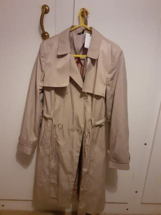 Ladies Coat Size 16