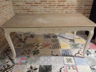 mesa vintage estilo romántico