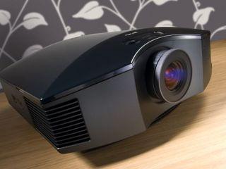 Proyector Sony HW30 ES con Darbee y pantalla