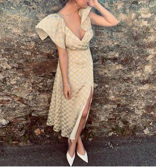 Buscado vestido lunares Zara (con etiqueta)