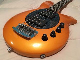 Bajo eléctrico Musicman Bongo Bass