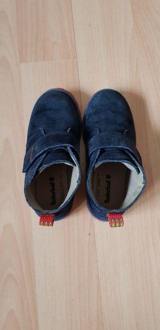 Botas niño azul marino número 28 marca Timberland de segunda