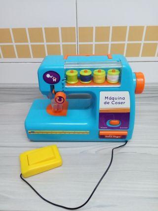 Maquina de coser juguete