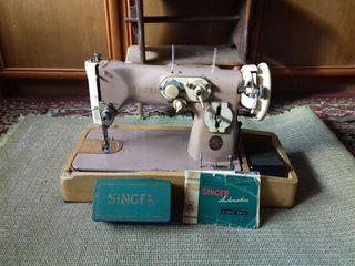 Máquina de coser SINGER años 60 con motot eléctric