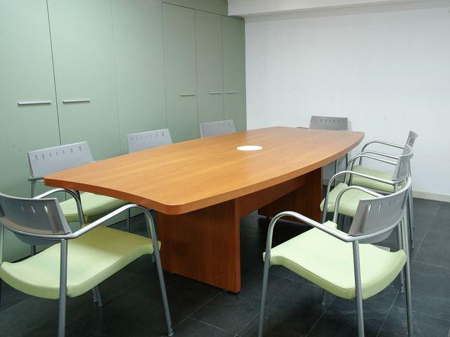 Alquiler Oficina con grandes armarios a 320 €/mes