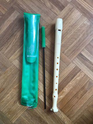 Flauta con limpiador y funda
