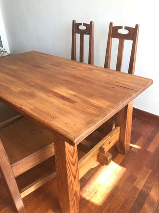 Mesa y 4 sillas Macizas Rusticas de Carpintero