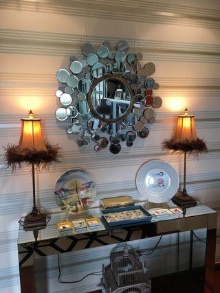 Lámparas de mesa con plumas, pedrería