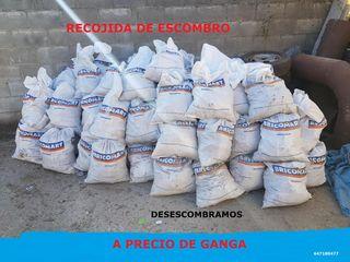 BAJAMOS Y RETIRAMOS SACOS DE ESCOMBRO !!!