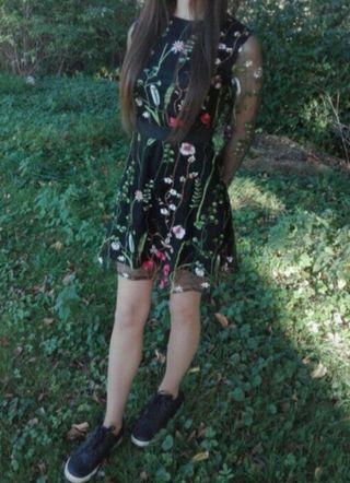 Vestido de flores negro