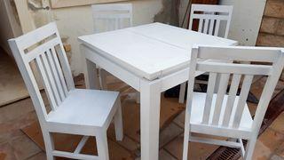 Mesa y 4 sillas madera maciza