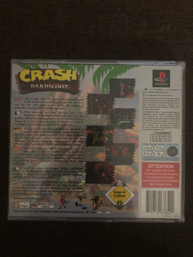 PLAYSTATION CRASH BANDICOOT