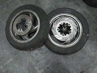 pareja ruedas Sym joymax gts 125