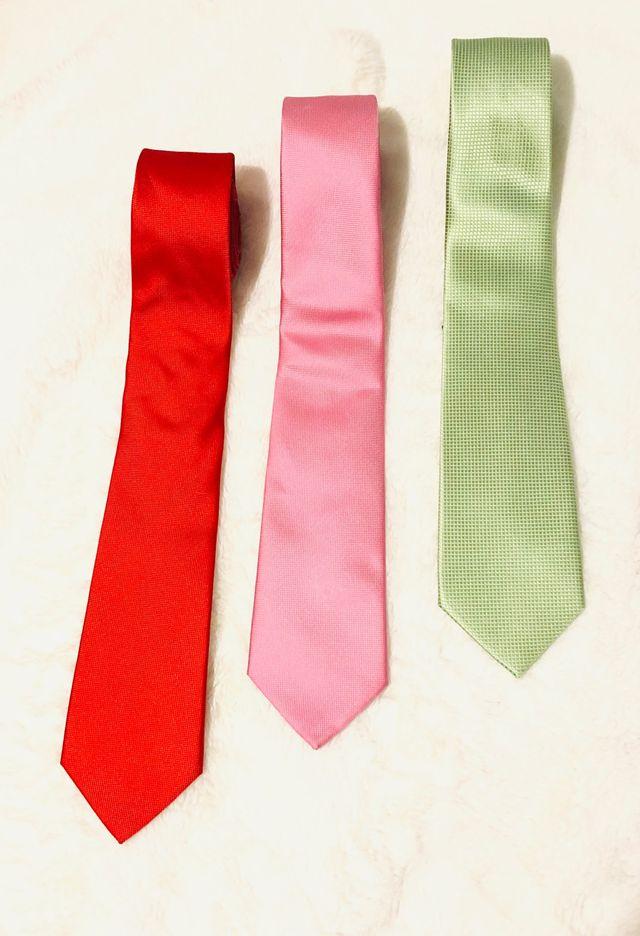 Corbatas Easy wear totalmente nuevas 1x6€ y 3x15€