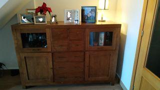 Mueble vitrina madera natural
