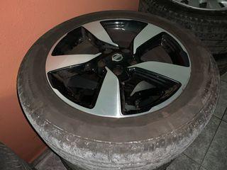Llantas Nissan 18