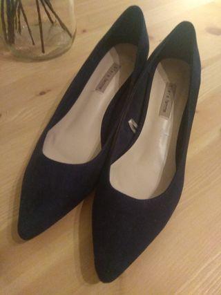 zapatos tacón bajo azul