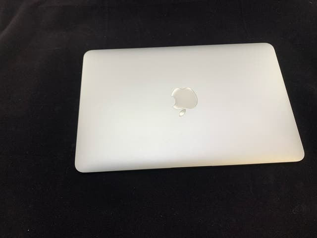 """MacBook Air 11"""" 2015 en perfecto estado"""