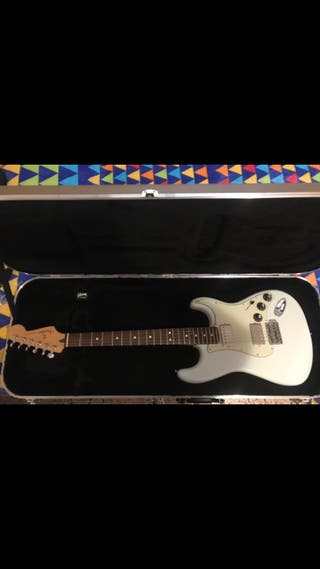 Guitarra fender stratocaster blacktop
