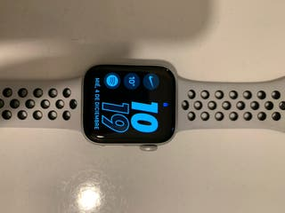 Apple watch series 4 40mm Nike Edition*