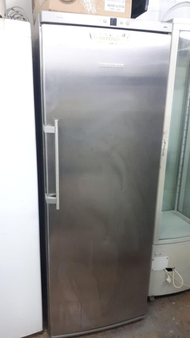 Nevera de 1 puerta liebher inox