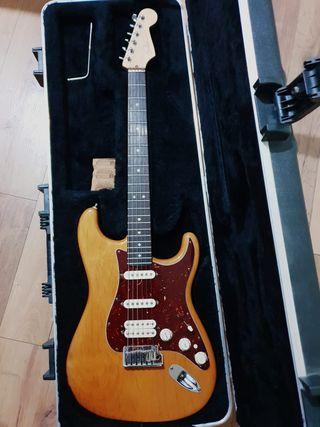 Guitarra stratocaster fender usa deluxe