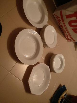 platos hondos y llanos