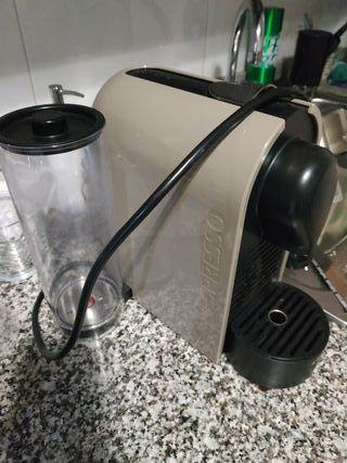 cafetera U Nespresso (recambios)