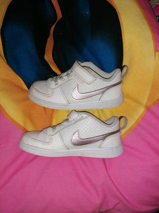 Zapatillas Nike niños de segunda mano en Alcalá de Henares