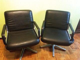 Dos sillones giratorios