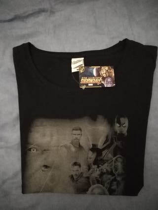 Camiseta chica Marvel Infinity War nueva