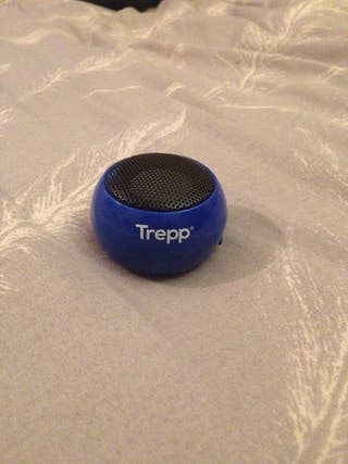 Small pocket sized speaker