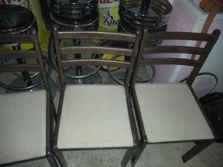 juego de sillas.