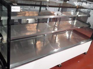 vitrina expositora de gran tamaño para pastelería