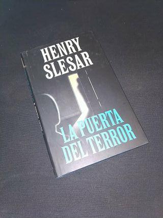 La puerta del terror de Henry Slesar
