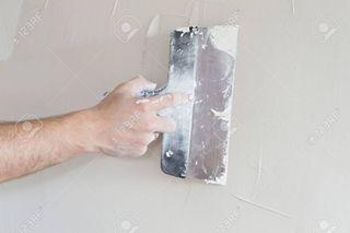 Pintor/ masillamos sus paredes en mal estado