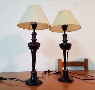 Dos lámparas de mesa