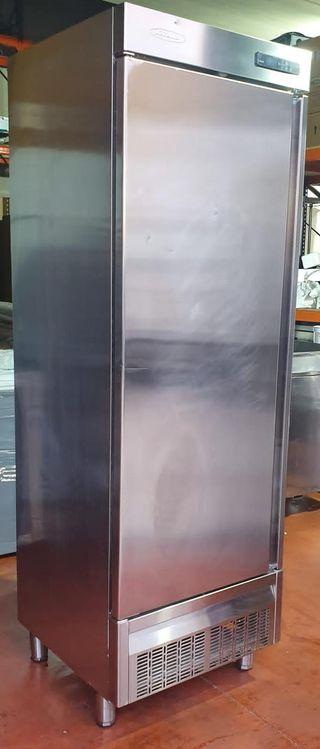 Armario refrigerado DOCRILUC HOSTELERÍA