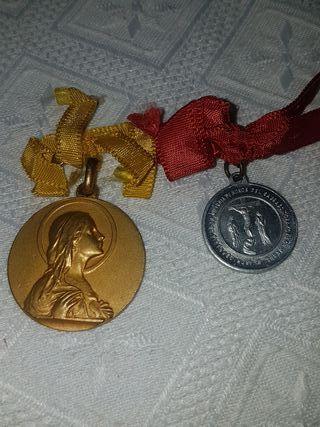 Medallas antiguas religiosas.