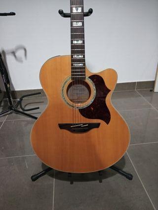 Guitarra electroacùstica Takamine