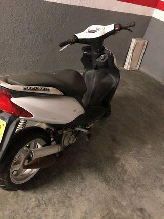 Moto Yamaha Jog RR 49cc