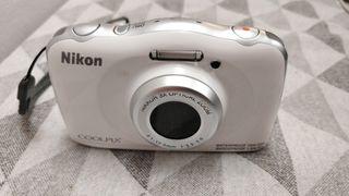 Cámara fotos digital acuática Nikon Coolpix s33