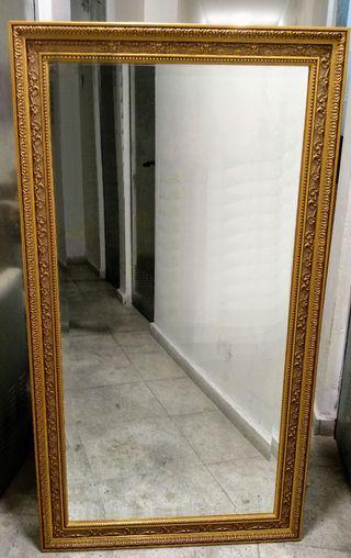Espejo clásico-vintage dorado
