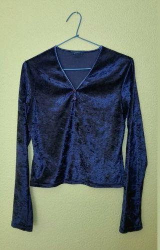 Camiseta azul terciopelo, Stradivarius, talla 44