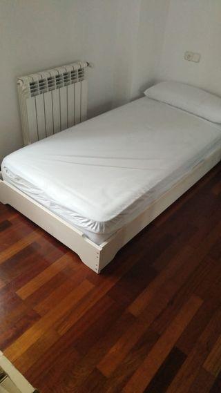 Base de cama baja y colchón de 90