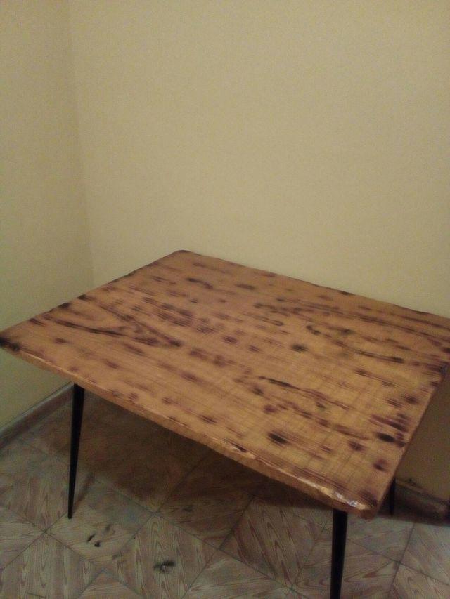 mesa rústica echa a mano