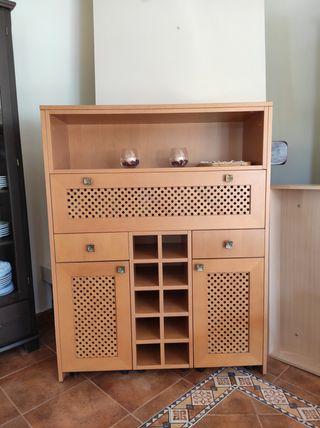 Mueble con botellero 215 euros